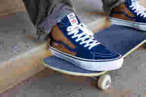 FA21 Skate Classics Reynolds VN0 A5 FCC9 CV Sk8 Hi Navy Golden Brwn Elv Side
