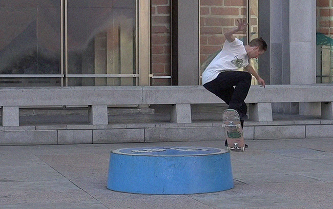 Soloskatemag Connecting Line Teaser