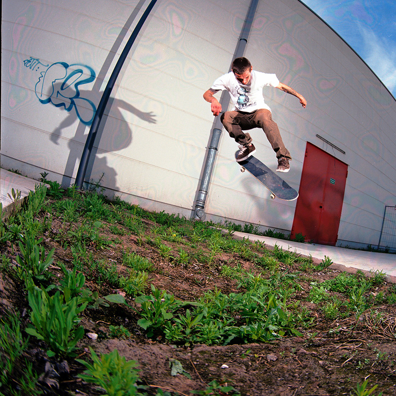 Willow – Backside Flip