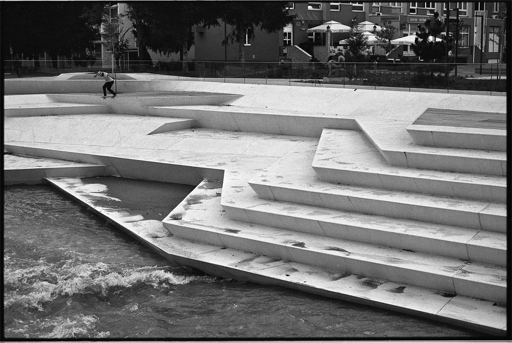Paul Weisser – Backside Tailslide