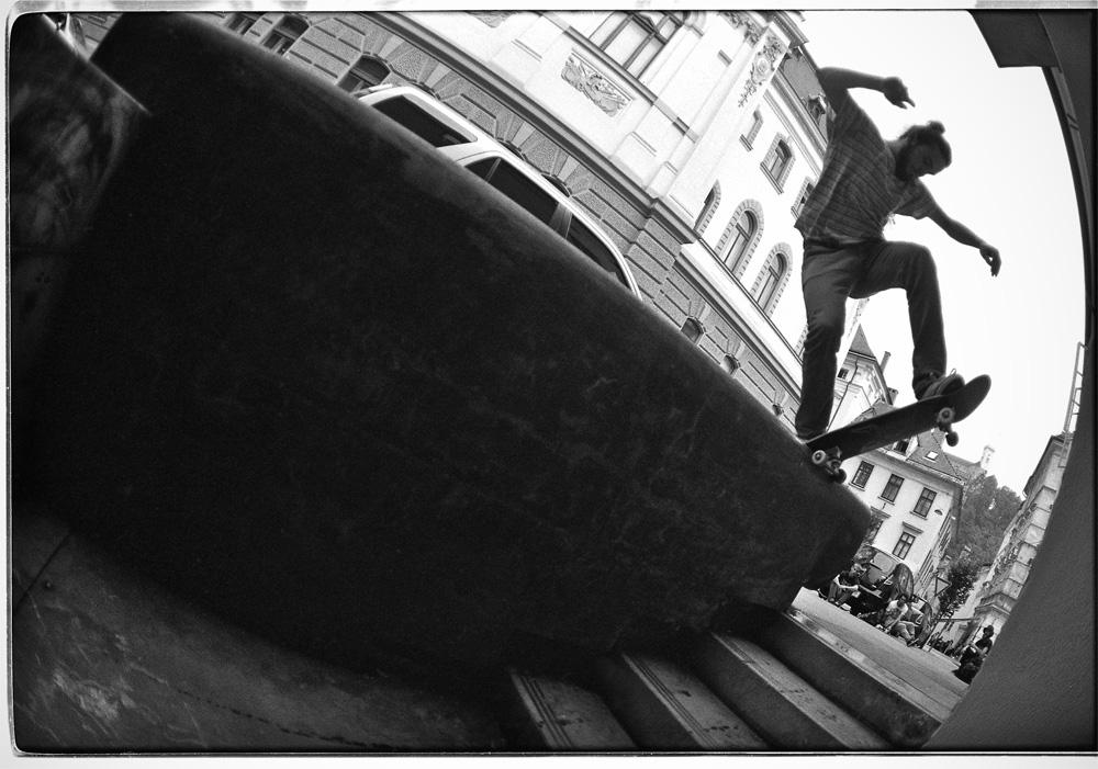 Paul Weisser – Frontside Bluntslide