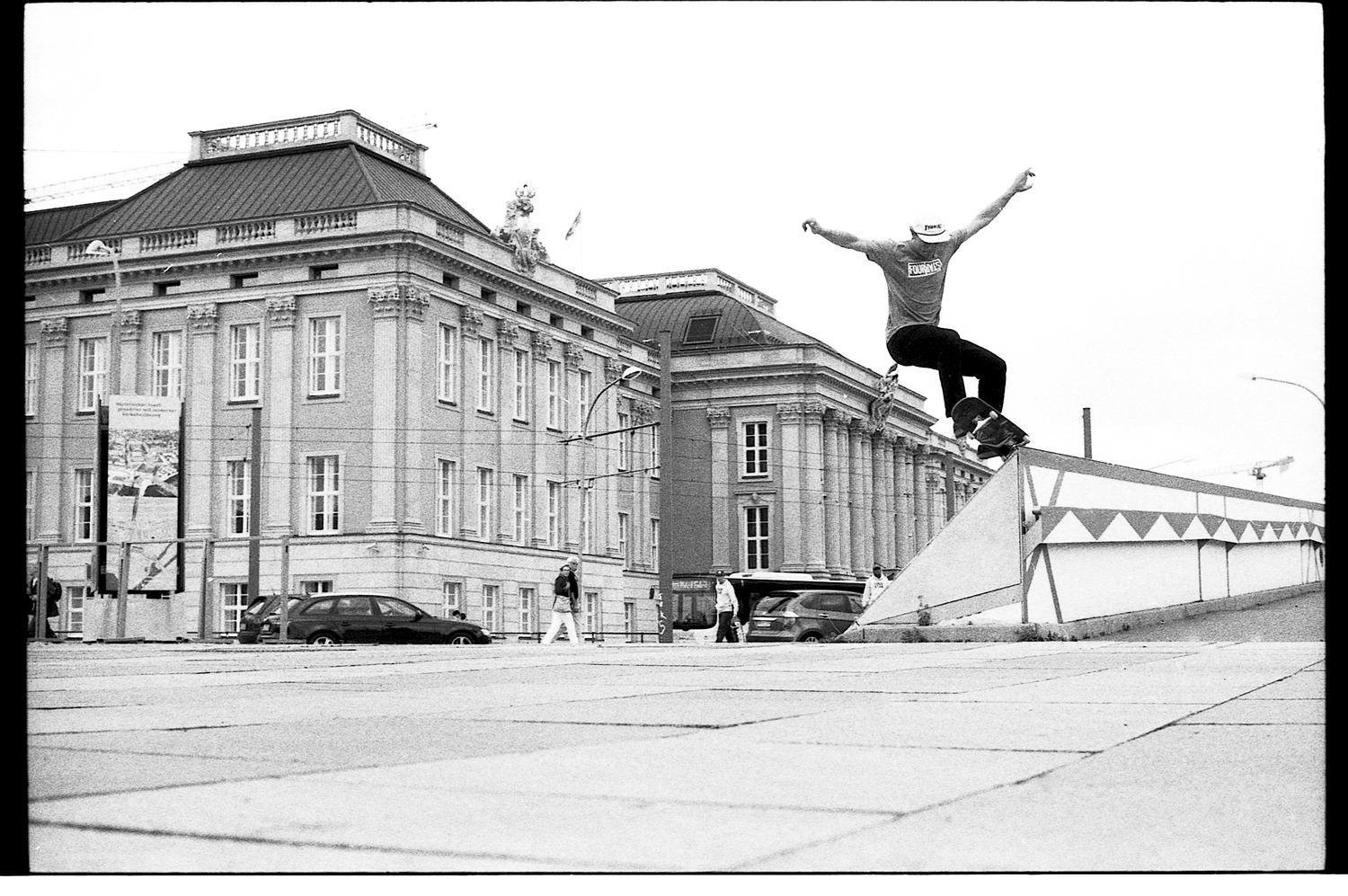 Rick Howard – Frontside 5-0