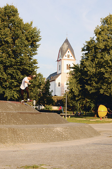 Norbert Szombati – Backside Tailslide