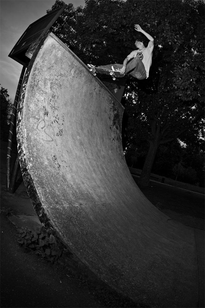 Sebi Hartung – Frontside Crailslide