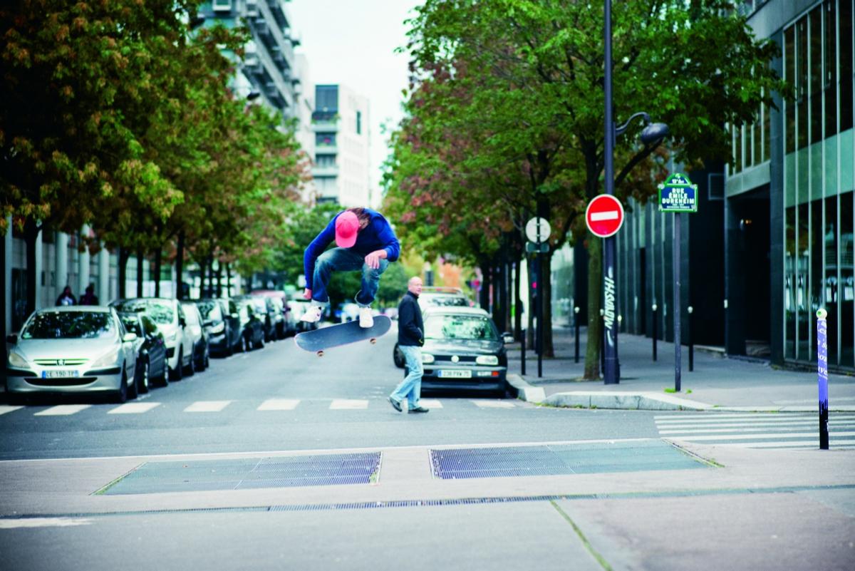Alex Olson – Kickflip